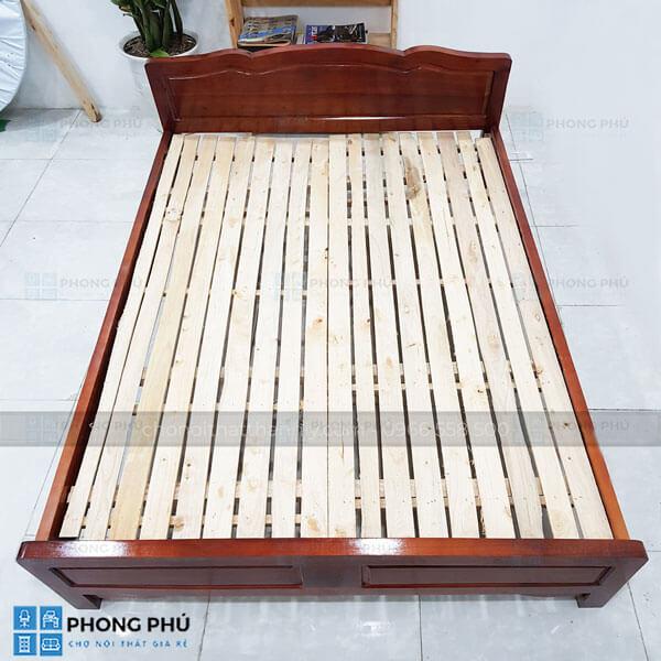 Sử dụng giường gỗ keo có bền với thời gian